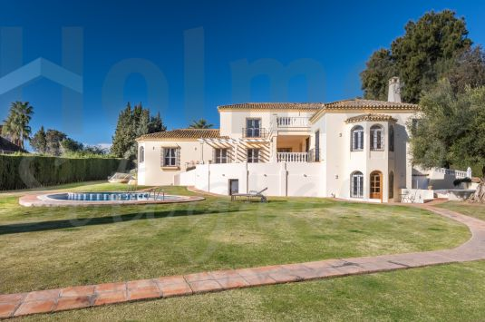 Magnificent and luxurious villa located in the most prestigious part of Sotogrande Costa.