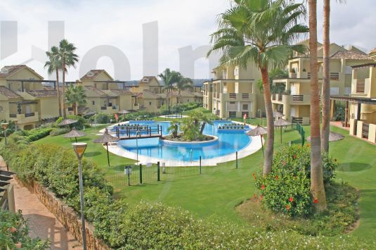 Nice first floor west facing apartment next to La Cañada golf course with a fabulous communal pool