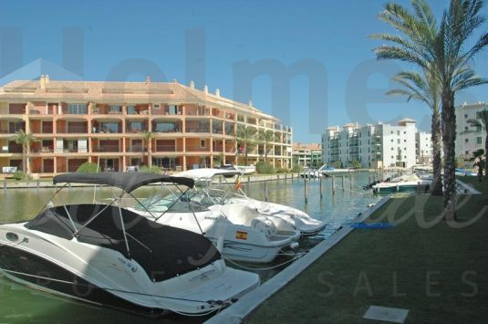 Well located in the marina with views of the river and sea