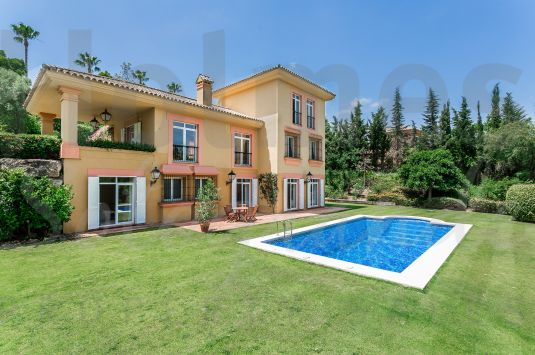 A spacious furnished 3 storey villa with views to Valderrama golf course.