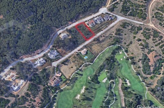 Stunning building plot for sale in The la Reserva Club de Sotogrande. Spectacular Golf and Sea views.