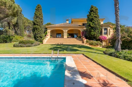 An elegant villa peacefully located adjacent to the 15th green of Valderrama Golf Course.