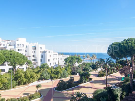 For sale penthouse with 2 bedrooms in Andalucia del Mar, Marbella - Puerto Banus | Banus Property