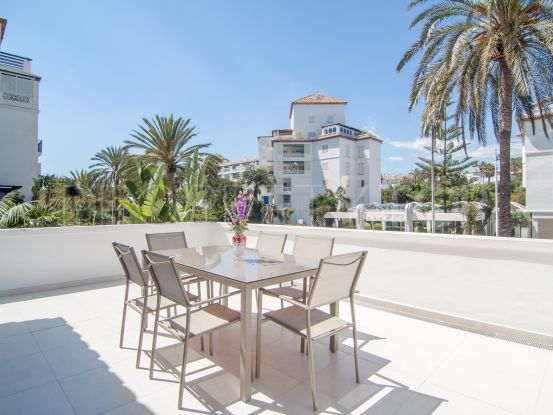 Apartment in Playas del Duque with 3 bedrooms | Banus Property