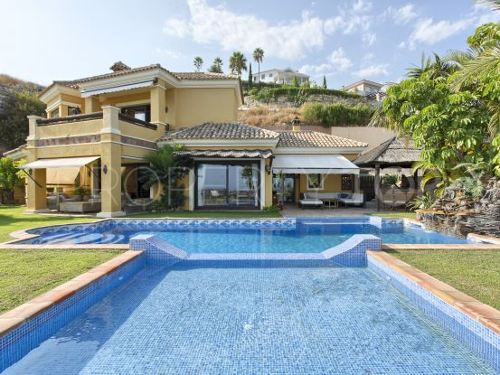 For sale villa with 4 bedrooms in Puerto del Almendro, Benahavis | Drumelia Real Estates