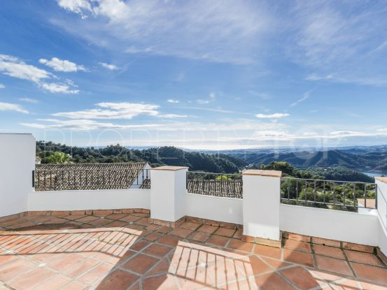 For sale town house in Sierra Blanca Country Club, Istan | Drumelia Real Estates