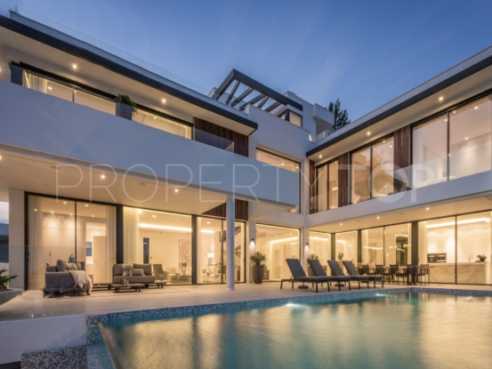 Buy villa with 5 bedrooms in La Alqueria, Benahavis | Drumelia Real Estates