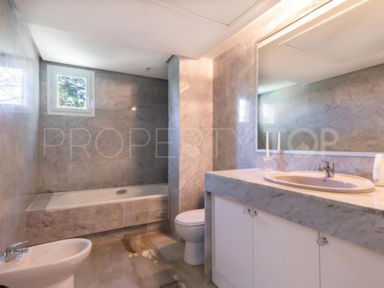 Duplex penthouse for sale in Guadalmina Baja with 5 bedrooms | Drumelia Real Estates
