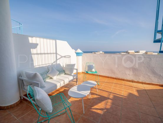 Penthouse for sale in Estepona with 2 bedrooms | Villa Noble