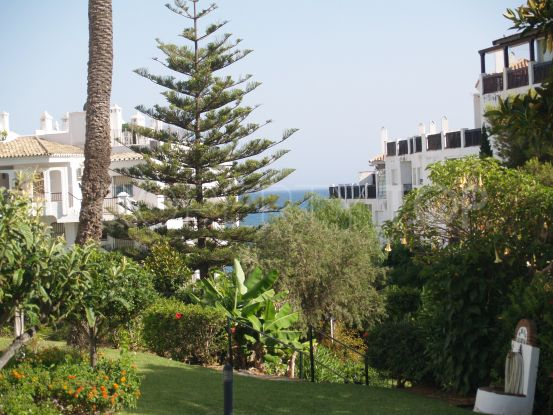 Buy apartment with 2 bedrooms in Calahonda Playa, Mijas Costa | Villa Noble