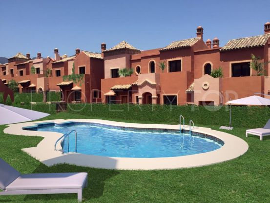 Buy 4 bedrooms town house in Estepona | Villa Noble
