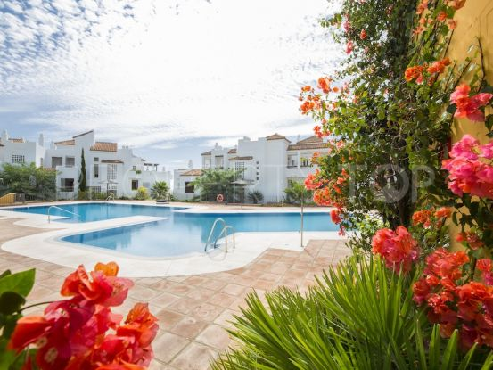 Buy town house in Alcaidesa Costa with 3 bedrooms | Villa Noble