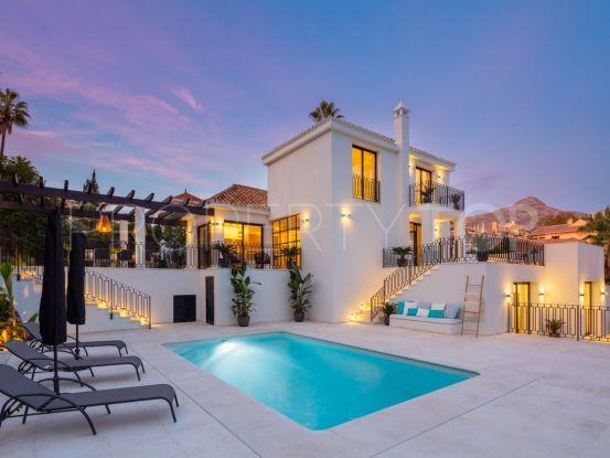 Buy villa with 4 bedrooms in Los Naranjos Hill Club, Nueva Andalucia | Villa Noble