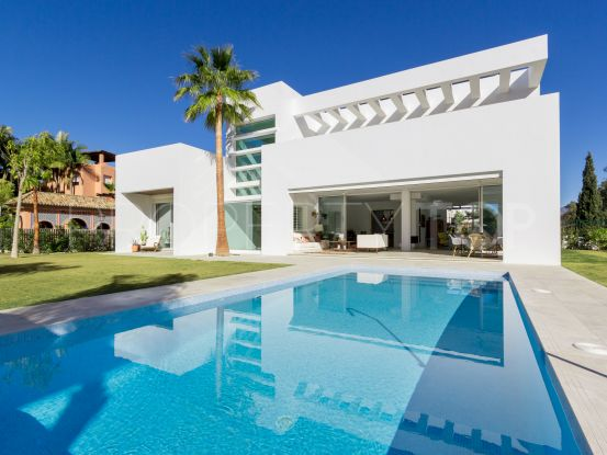 Villa de 4 dormitorios en Casasola, Estepona | Arias-Camisón Properties