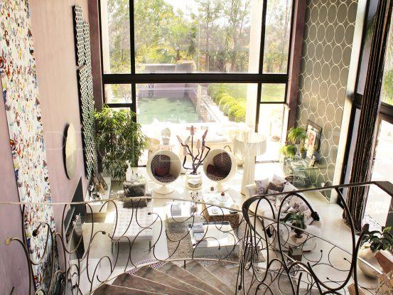 Villa for sale in El Paraiso Barronal with 5 bedrooms | Arias-Camisón Properties