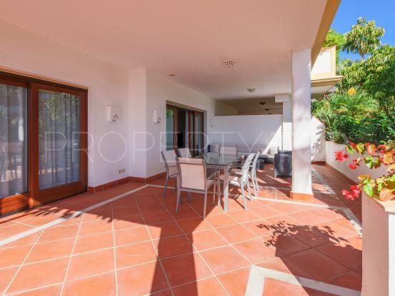 Apartamento en venta de 2 dormitorios en Lomas del Rey, Marbella Golden Mile | Arias-Camisón Properties