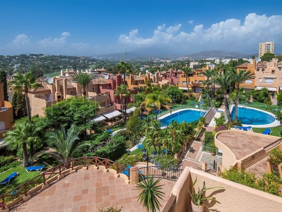 For sale town house with 3 bedrooms in Nueva Andalucia, Marbella | Luxury Villa Sales