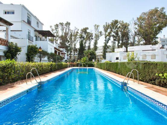 For sale ground floor apartment with 3 bedrooms in San Pedro Playa, San Pedro de Alcantara | Amigo Inmobiliarias