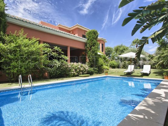 For sale villa with 5 bedrooms in Altos de Puente Romano | Magna Estates