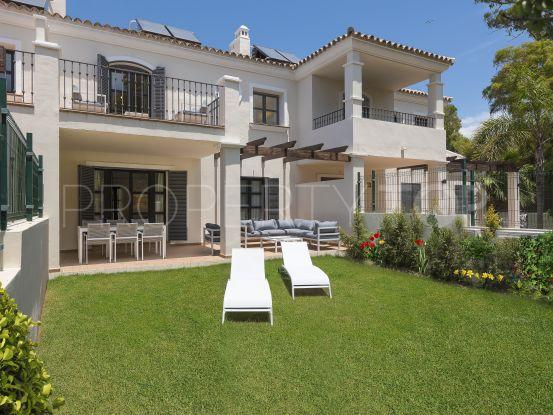 For sale 4 bedrooms town house in Guadalmina Baja | Magna Estates