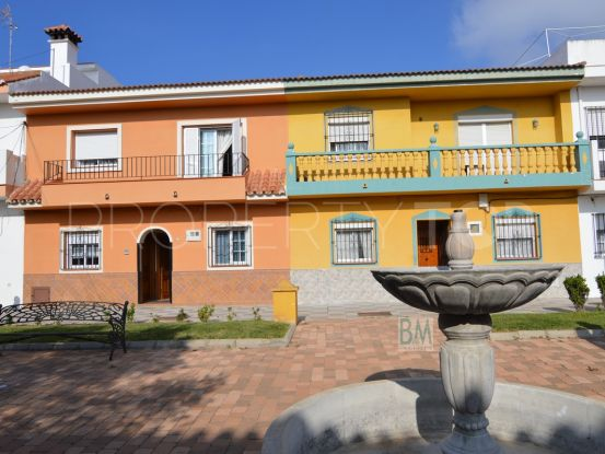 For sale town house with 4 bedrooms in Pueblo Nuevo de Guadiaro | BM Property Consultants