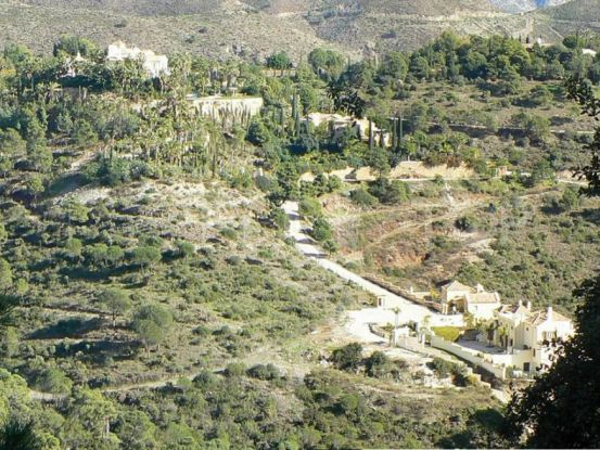 Plot in El Madroñal for sale | House & Country Real Estate