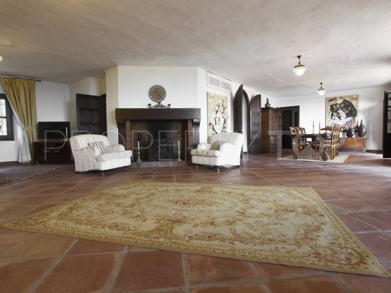 7 bedrooms El Madroñal villa for sale | House & Country Real Estate