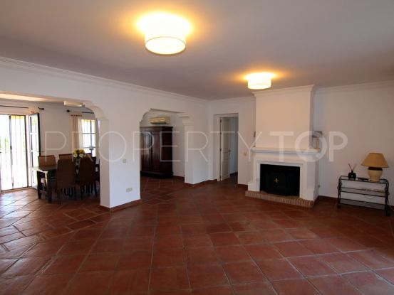 4 bedrooms El Madroñal villa for sale | House & Country Real Estate