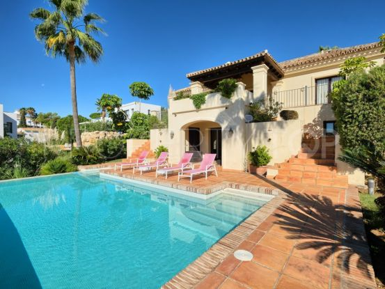Villa in Mirador del Paraiso   FM Properties Realty Group
