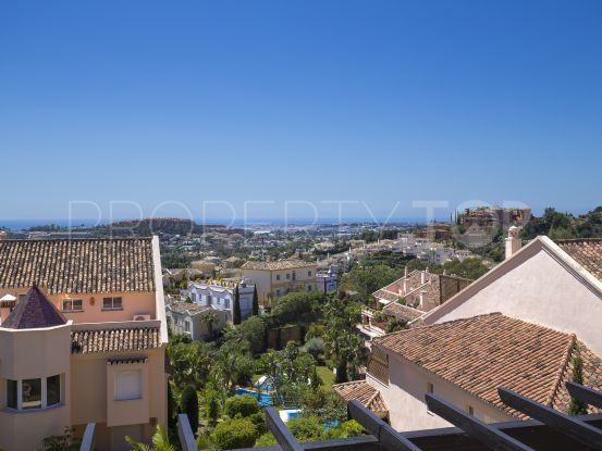 Apartment in Albatross Hill Club, Nueva Andalucia | Solvilla