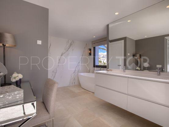 For sale villa in Los Naranjos Hill Club with 5 bedrooms | Solvilla