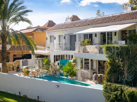 Town house for sale in Guadalmina Alta with 3 bedrooms | Bromley Estates