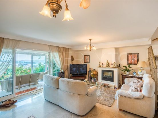 Semi detached villa for sale in Alcaidesa Golf with 3 bedrooms | Bromley Estates