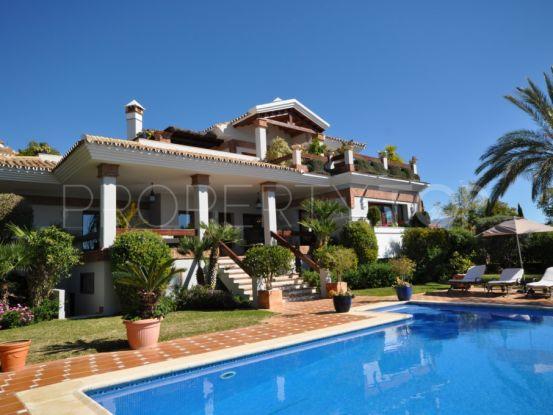 Buy 3 bedrooms villa in Estepona | Discount Property Center