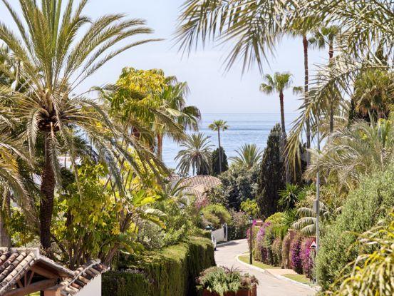 Buy villa in Los Monteros Playa with 4 bedrooms | Discount Property Center