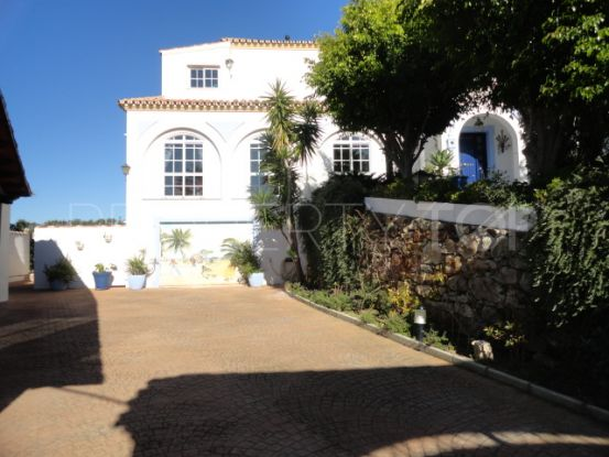 For sale 6 bedrooms villa in Valle Romano, Estepona | Discount Property Center