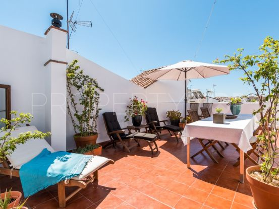 For sale town house in Estepona Centro with 5 bedrooms | Future Homes