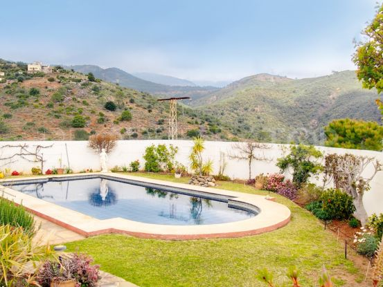 For sale Los Reales - Sierra Estepona villa with 4 bedrooms | Future Homes
