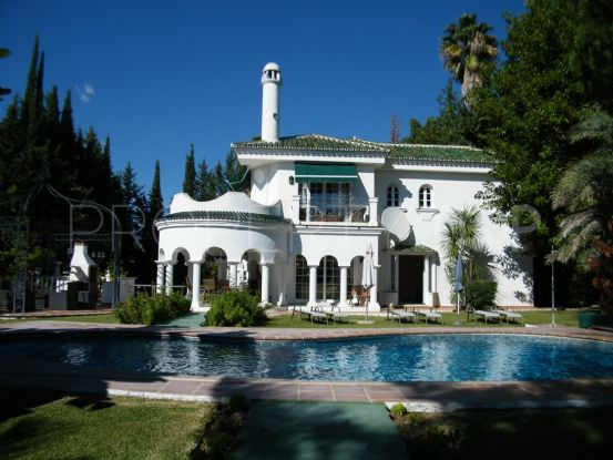 Villa with 5 bedrooms for sale in Parcelas del Golf, Nueva Andalucia | Gabriela Recalde Marbella Properties