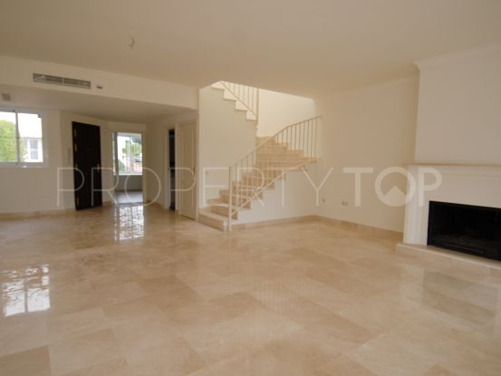 Town house for sale in Guadalmina Alta with 3 bedrooms | Gabriela Recalde Marbella Properties