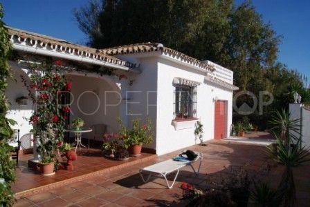 Villa for sale in New Golden Mile | Marbella Banús