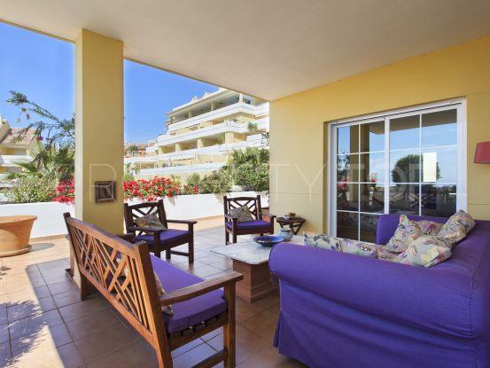 Penthouse for sale in Estepona Puerto | Amrein Fischer
