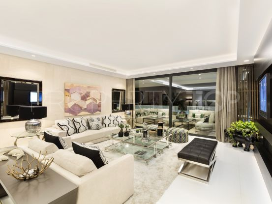 For sale apartment with 3 bedrooms in Marbella Golden Mile | Amrein Fischer