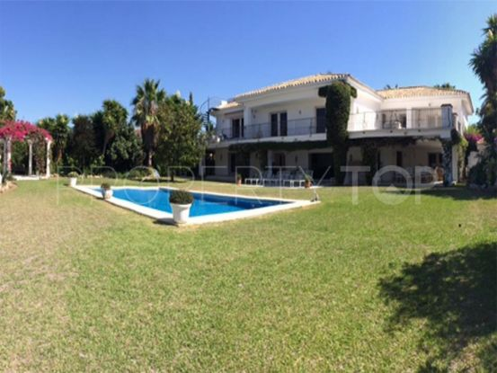 For sale villa in El Paraiso Barronal | Amrein Fischer