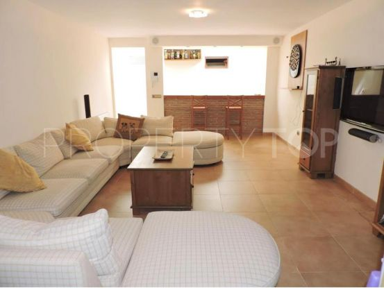 Villa for sale in Las Chapas with 4 bedrooms | Amrein Fischer