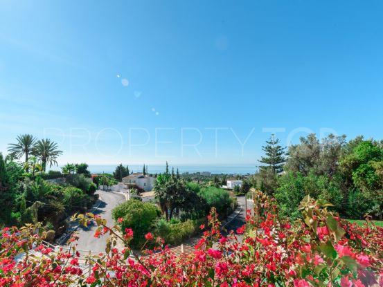 For sale villa with 5 bedrooms in El Rosario, Marbella East | Terra Realty