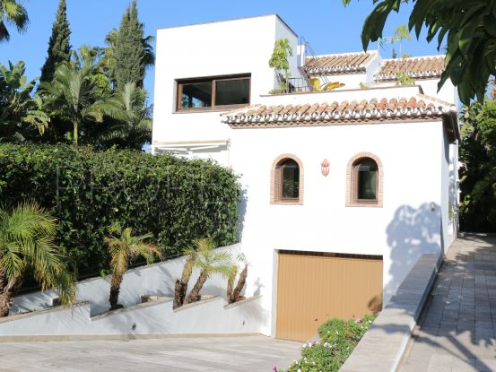 Nueva Andalucia villa with 5 bedrooms | Terra Realty