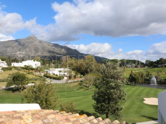 Penthouse for sale in Azahar de Marbella with 2 bedrooms | Terra Realty