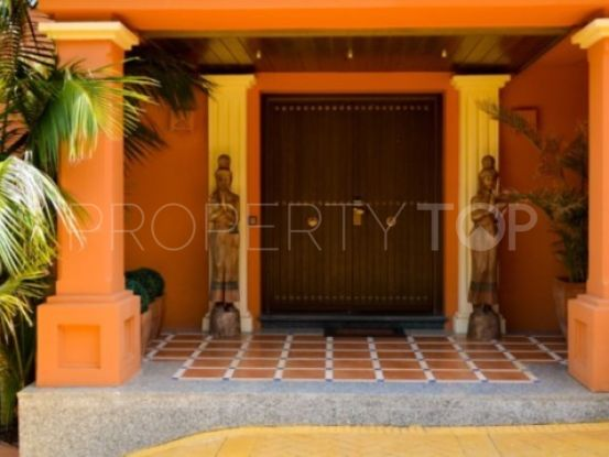 Hotel for sale in Rio Real with 5 bedrooms | Escanda Properties