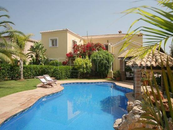 Villa in Guadalmina Alta with 5 bedrooms | Escanda Properties